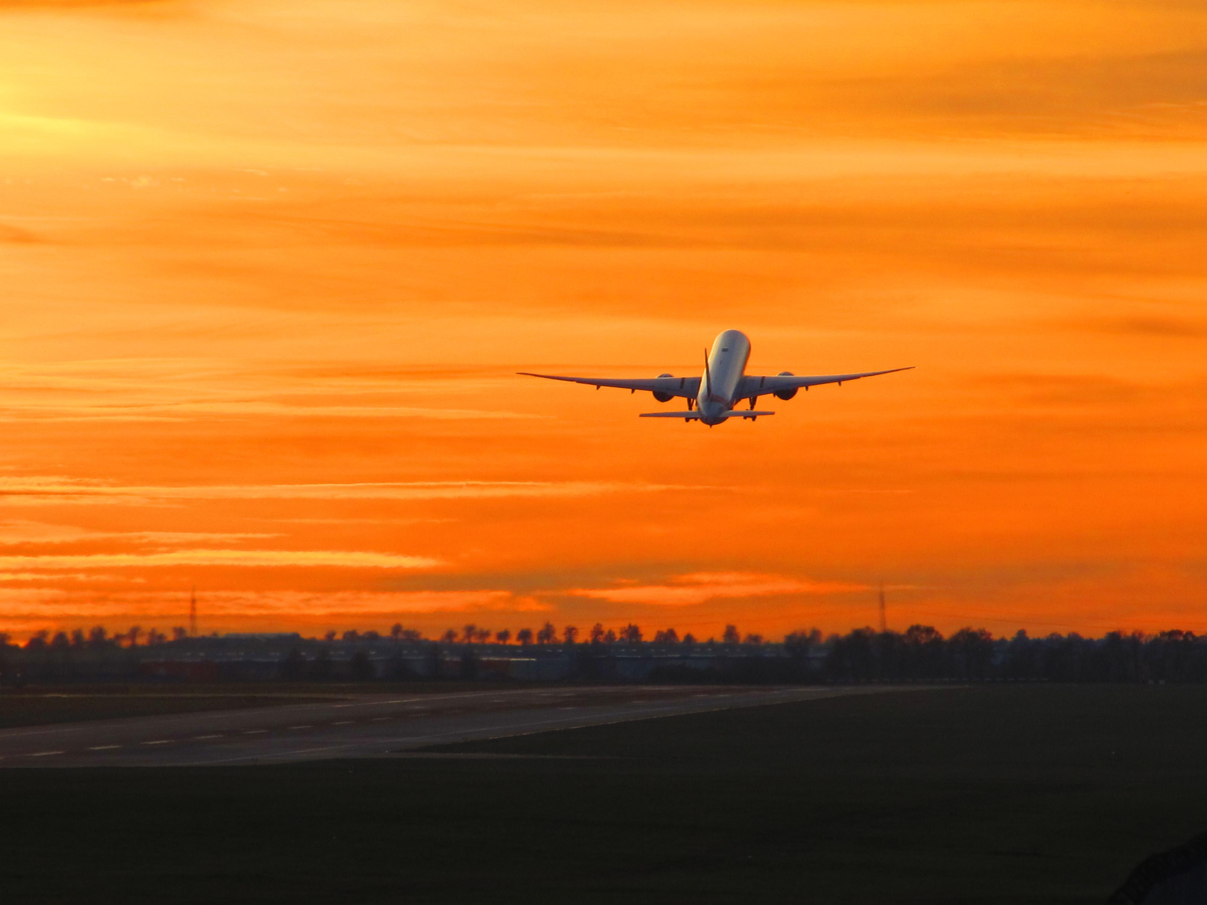 Letenky první třídou do Emirátu Dubaj: Napište Vás datum odletů a Tripadvisor Vám vyhladá nejlepší nabíkdy Emirátu Dubaj lety.